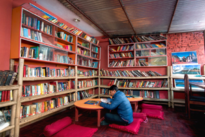 Hotel Thamel Lily Library